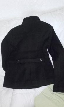 manteau noir double rangée de boutons