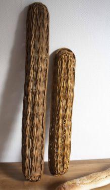 deux panières à pain en osier