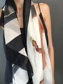Foulard Givenchy neuf