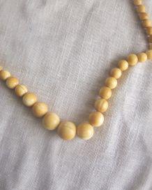 collier vintage ivoire
