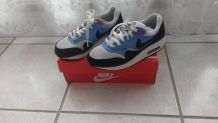 Air max One bleu et blanche Nike taille 36.5