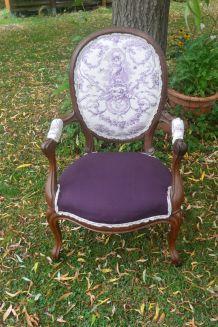 fauteuil médaillon