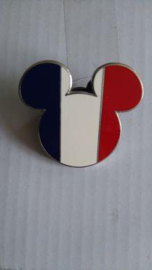 Badge Disney drapeau français