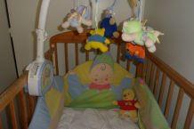 lit bébé et accessoires