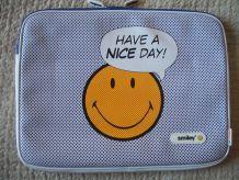 sacoche, etui protection, smiley pour ordinateur portable ou autre
