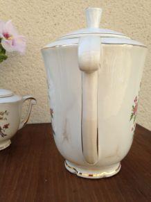 Théière et sucrière semi-porcelaine