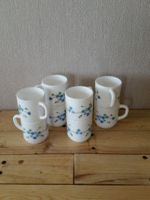 Lot de 8 tasses arcopal