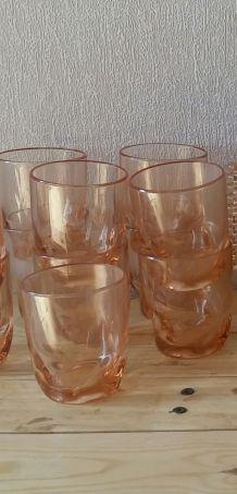 11 verres roses transparant