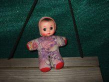 Petite poupée vintage années 70