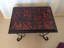 table basse noire en fer forgé