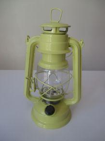 lanterne déco fonctionnant à piles fournies
