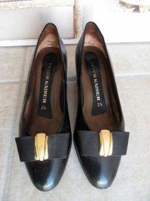 Escarpins vintage rétro en cuir noir Peter Kaiser
