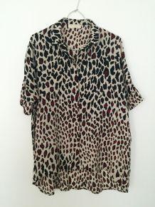 Blouse tunique large léopard beige noir et rouge