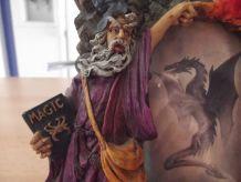 cadre gothique avec tête de mort et dragon