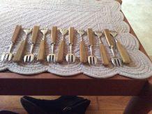 12 fourchettes à huîtres dans leur coffret d'origine