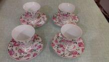4 tasses à café vintage