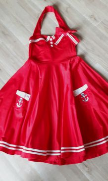 "Robe ""Pin-up"" rouge"