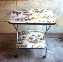 Table d'appoint - formica impression voitures anciennes 1960