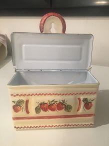 Ancienne boîte à sel
