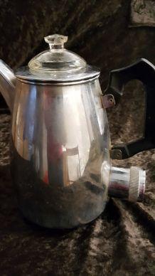 Ancienne bouilloire en inox