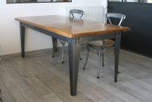 Table industrielle bois massif et acier