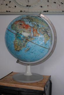 Globe terrestre 1972