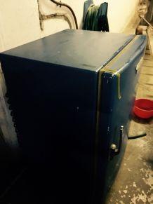 Ancien Réfrigérateur de marque FRIGIDAIRE 1950