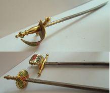 vintage année 70 , Anciens piques apéritif épées de Tolède - TOLEDO  Espagne.