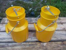 Deux pots à lait - marque Pola - vintage 60/70
