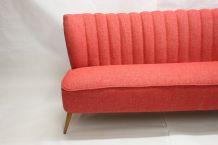 Canapé vintage 50 60, 3 places rouge chiné.
