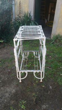 Lit-Cage
