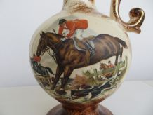 Vase chasse à cour