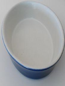 Plat ovale en grés 18 cm