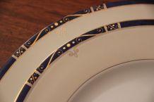 Plat ovale + plat creux rond+ plus 2 raviers+ 1 saucier
