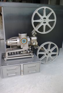 Projecteur cinéma Heurtier