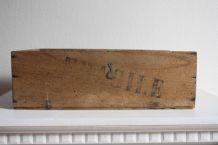 boîte en bois vintage avec tampon  FRAGILE