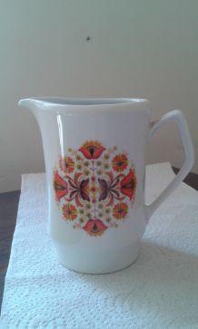 Pot à lait, porcelaine Vercor