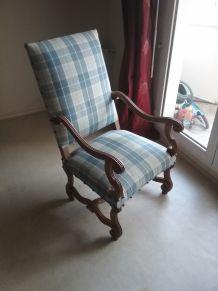 Paire de fauteuils Louis XII