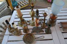 8 Lampes en cuivre et laiton 1900 / 1920