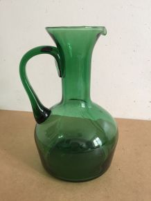 Carafe ancienne en verre bullé