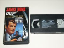 LOT 12 cassettes VHS JAMES BOND 007