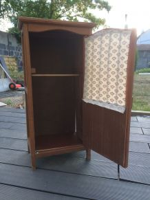 Petit meuble années 60