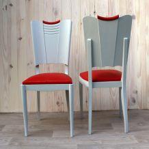 Léa et Lou : paire de chaise vintage en chêne massif, assise skaï rouge