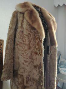 Manteau en astrakan doré années 50-60, taille 42