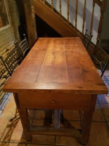 VENDS TABLE DE FERME EN CHENE MASSIF