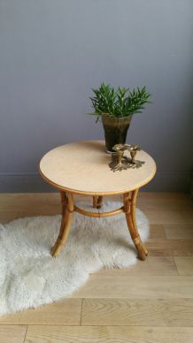 Table rotin vintage tripode