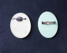 broches, badge vintage buste femme