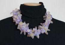 collier perles fleurs