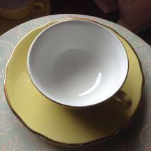 Jolies tasses a cafe jaune retro