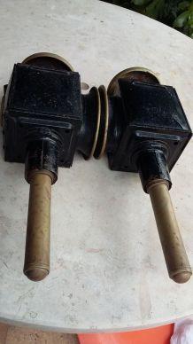2 anciennes lampes de calèche
